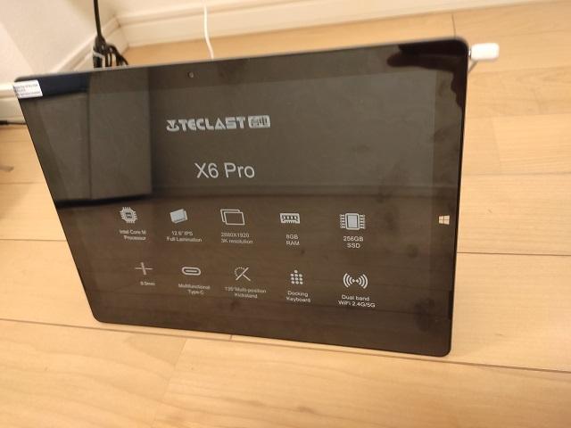 Teclast X6 Proの充電ケーブル接続後表写真