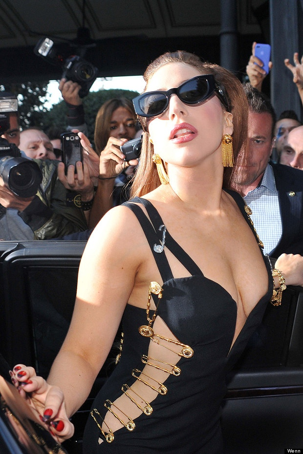 13 Lady Gaga Long 02