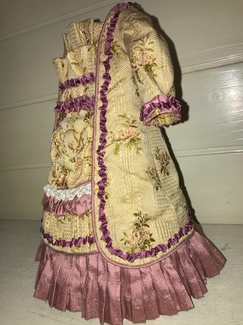 FB12サイズのドレスギャラリーイチさんの布地