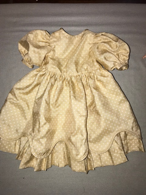 元のドレス