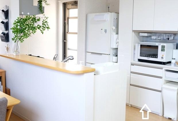 キッチン全体・パモウナ食器棚①
