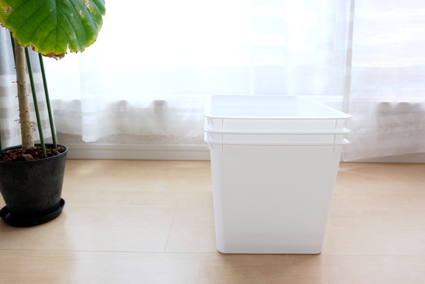 ダイソー・スクエア収納ボックス(深型)ホワイト②