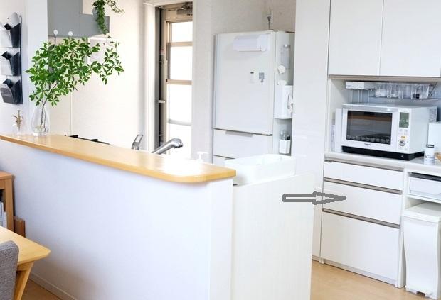 キッチン全体・パモウナ食器棚②