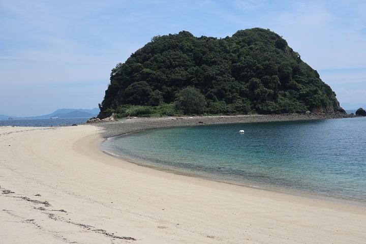 墓標近くの離れ小島