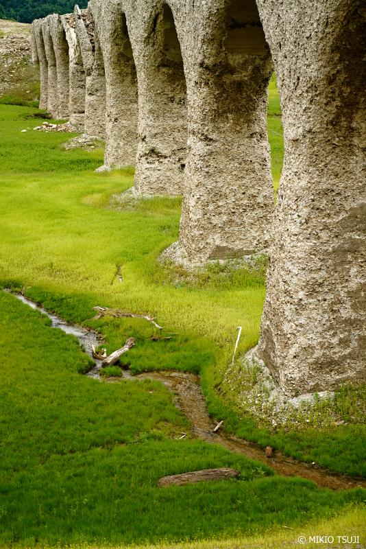 絶景探しの旅 - 1036 北の大地の遺跡「タウシュベツ川橋梁」 (北海道 上士幌町)