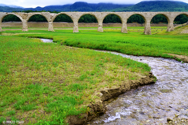 絶景探しの旅 - 1039 時の流れる川 (タウシュベツ川橋梁北海道 上士幌町)