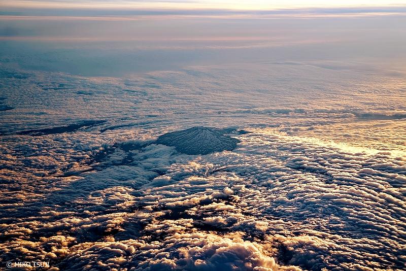 絶景探しの旅 - 1066 夕日の富士山と大雲海 (静岡県上空)