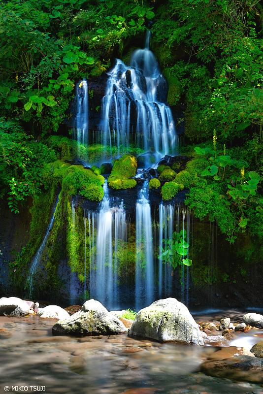 絶景探しの旅 - 1071 吐竜の滝 (山梨県 北杜市)