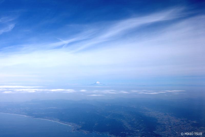 絶景探しの旅 - 1073 富士山の見える青い風景 (静岡県上空)