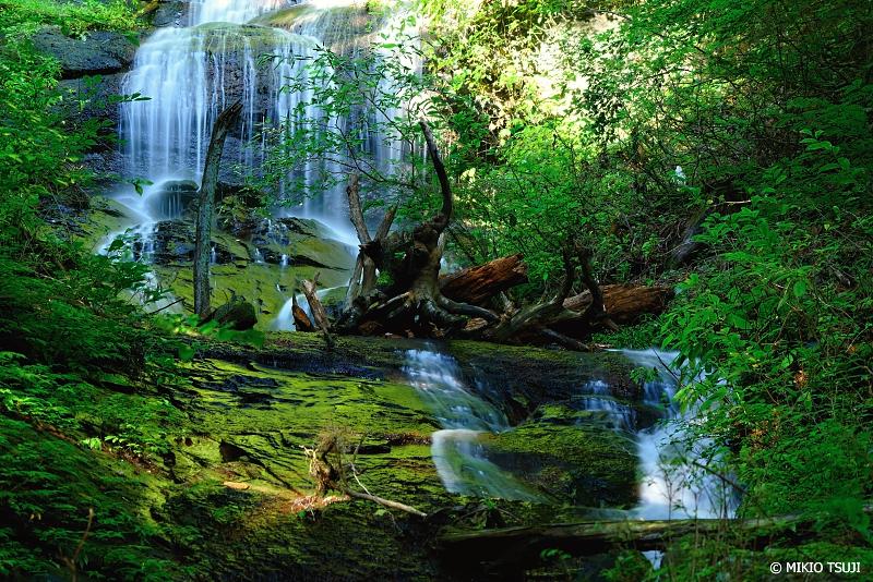 絶景探しの旅 -  1078  富士吉田の白糸の滝 (山梨県 富士吉田市)